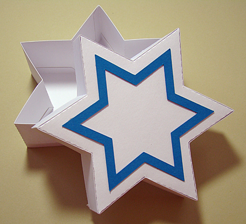 Star of David Gift Box Open